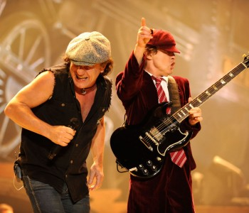7,000 Belgian AC/DC Fans Request Ticket Refunds