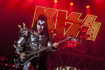 LONDON, UNITED KINGDOM - JULY 04: Gene Simmons of KISS performs on stage during a one-off show in support of Help For Heroes at HMV Forum on July 4, 2012 in London, United Kingdom. (Photo by Neil Lupin/Redferns via Getty Images)