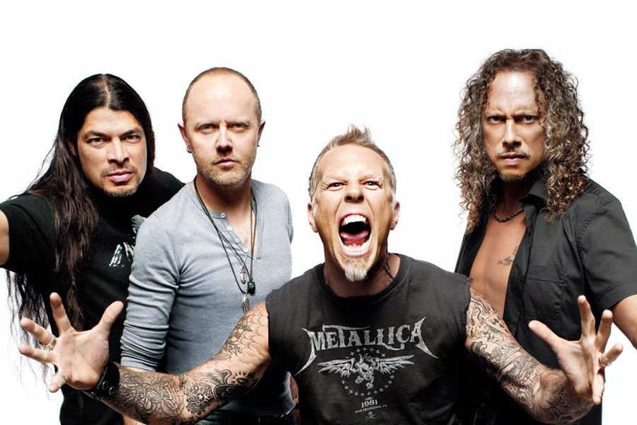 METALLICA Releases Video For New Song 'Moth Into Flame'
